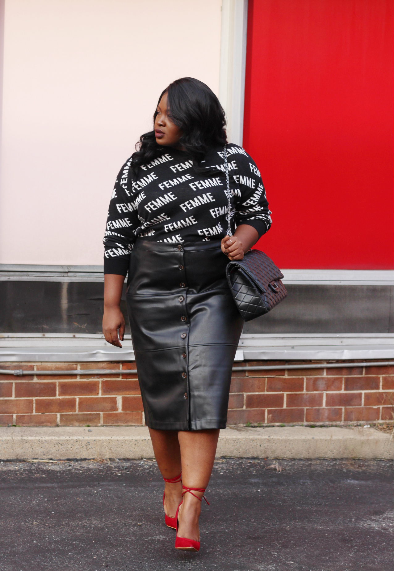 who what wear leather skirt  plus size outfit