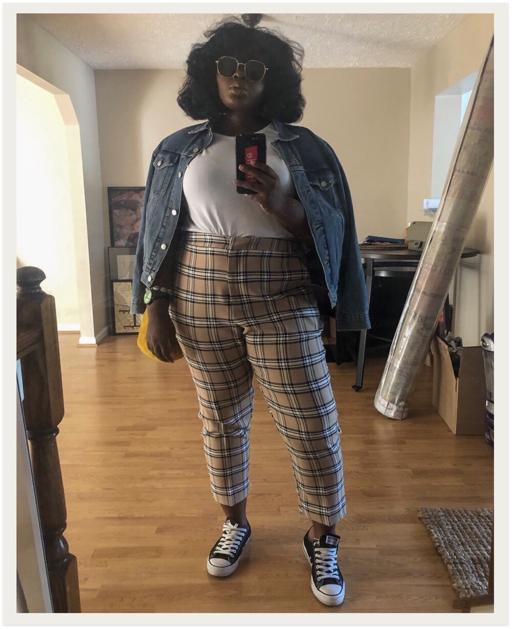 chichi editor supplechic a balitimore based fashion and lifestyle blog in a plaid pant outfit